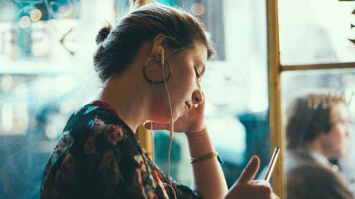 Como encontrar músicas para concentração e foco nos streamings