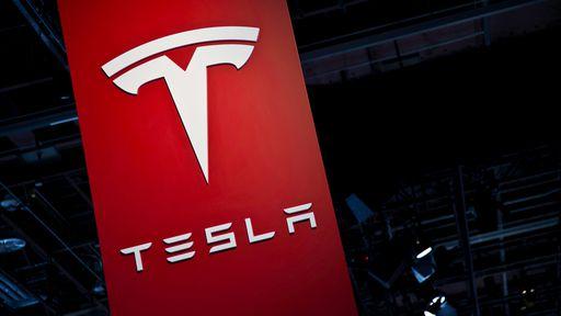 Piloto automático da Tesla ajuda motorista a chegar ao hospital
