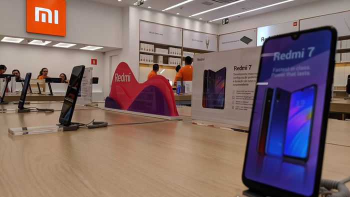 CEO da Xiaomi promete lançar 10 smartphones 5G da marca em 2020