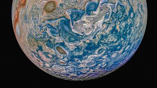 Sonda da NASA faz manobra arriscada e descobre mais um ciclone em Júpiter