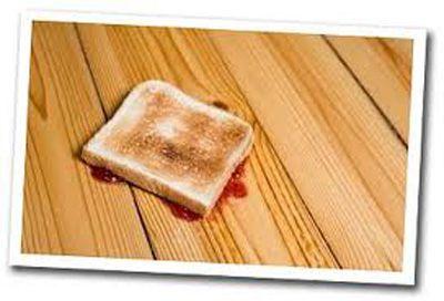 Pão caído no chão