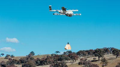 Empresa começa a testar delivery de remédios e burritos com drones