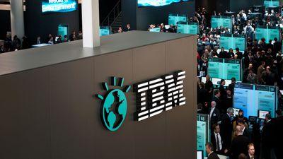 IBM registra recorde de 5 anos com receitas trimestrais em queda