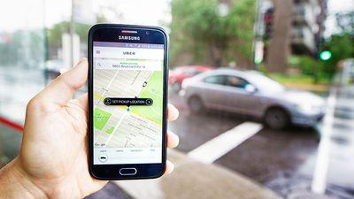 Prefeitura de SP exigirá mudanças em veículos e motoristas de Uber e rivais