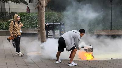 Robô de entregas autônomo pega fogo em rua da Califórnia