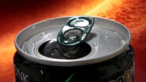 Beber energético faz bem ou mal? Entenda os efeitos e riscos do consumo
