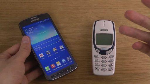 Nokia 'tijolão' é mais veloz que o Galaxy S4. Assista ao teste
