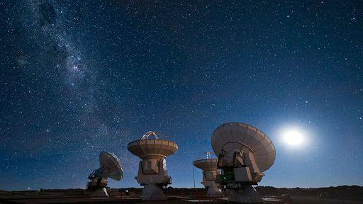 Astrônomos querem investigar possíveis sinais alienígenas com telescópio VERITAS