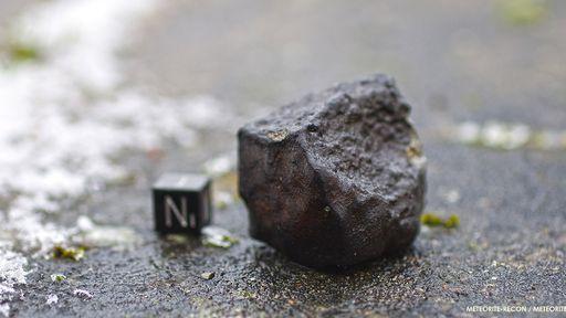 Encontrou uma rocha estranha? Saiba como descobrir se ela é um meteorito