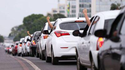 Estudo sugere que Uber e Lyft estão piorando o trânsito