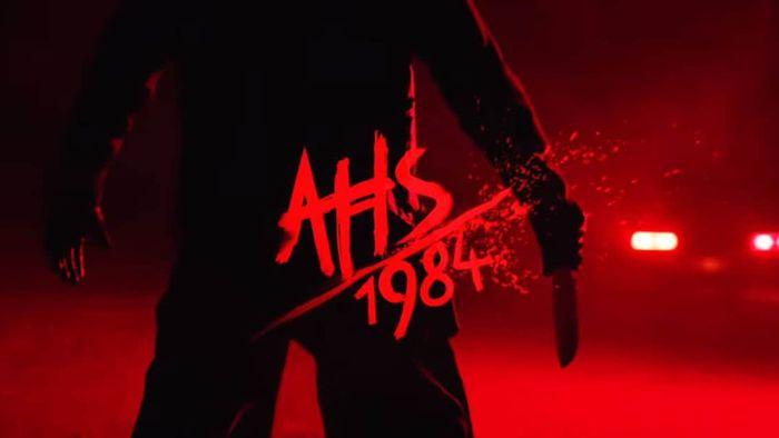 Criador revela abertura de American Horror Story 1984