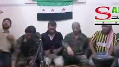 Rebelde sírio explode tudo ao fazer selfie com detonador de bomba