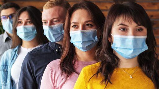 OMS e CDC entram em divergência sobre uso de máscara após vacinação