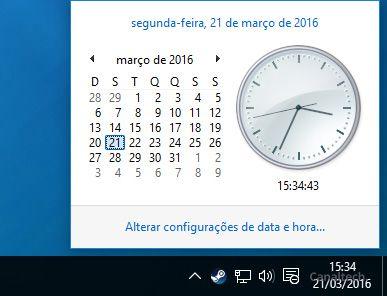 Após as configurações descritas acima, o antigo relógio analógico do Windows 7 voltará a ser exibido no Windows 10