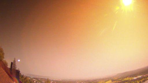 Meteoro cruza o céu da Noruega e chama atenção com forte brilho e estrondo