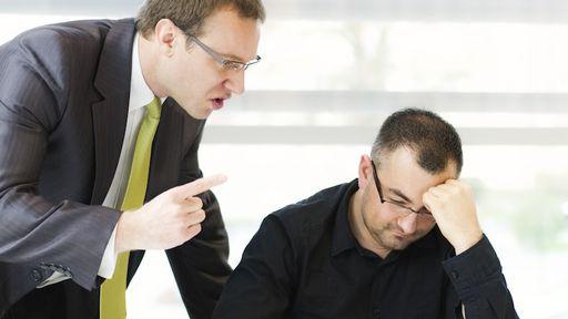 Como lidar quando é o chefe quem costuma ter péssimas ideias na empresa
