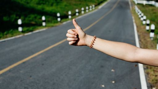 Os 4 melhores aplicativos de carona para quem viaja muito
