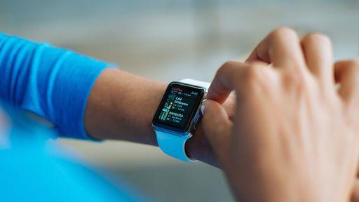 Smartwatch do Facebook? Rede social estaria desenvolvendo seu próprio relógio