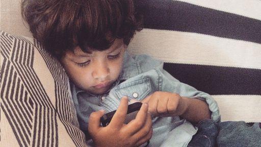Facebook usa inteligência artificial para excluir crianças que mentem idade