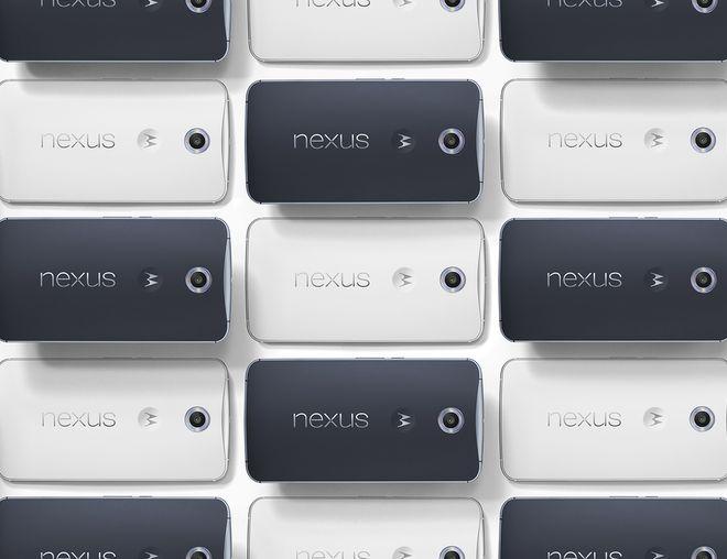 Aparelho chegará às lojas em duas variantes de cores - branca e esse azul escuro - nas opções de 32 GB e 64 GB de armazenamento. Preços começam em US$ 649