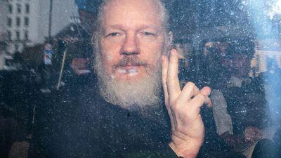 Equador diz ter sofrido 40 milhões de ciberataques após prisão de Julian Assange