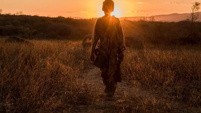 O Matador: Confira as primeiras imagens do filme da Netflix no Brasil