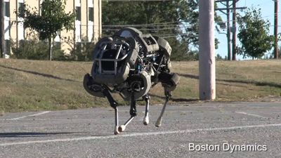 Robôs da Boston Dynamics puxam trenó para votos de feliz Natal