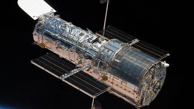 Câmera do telescópio Hubble quebrou; greve no governo dos EUA prejudica o reparo
