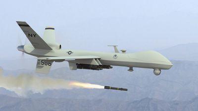 Ataque com drones fecha estações de petróleo na Arábia Saudita